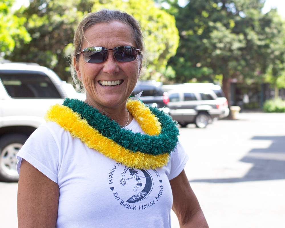 People of Downtown Eugene — Duck Leis